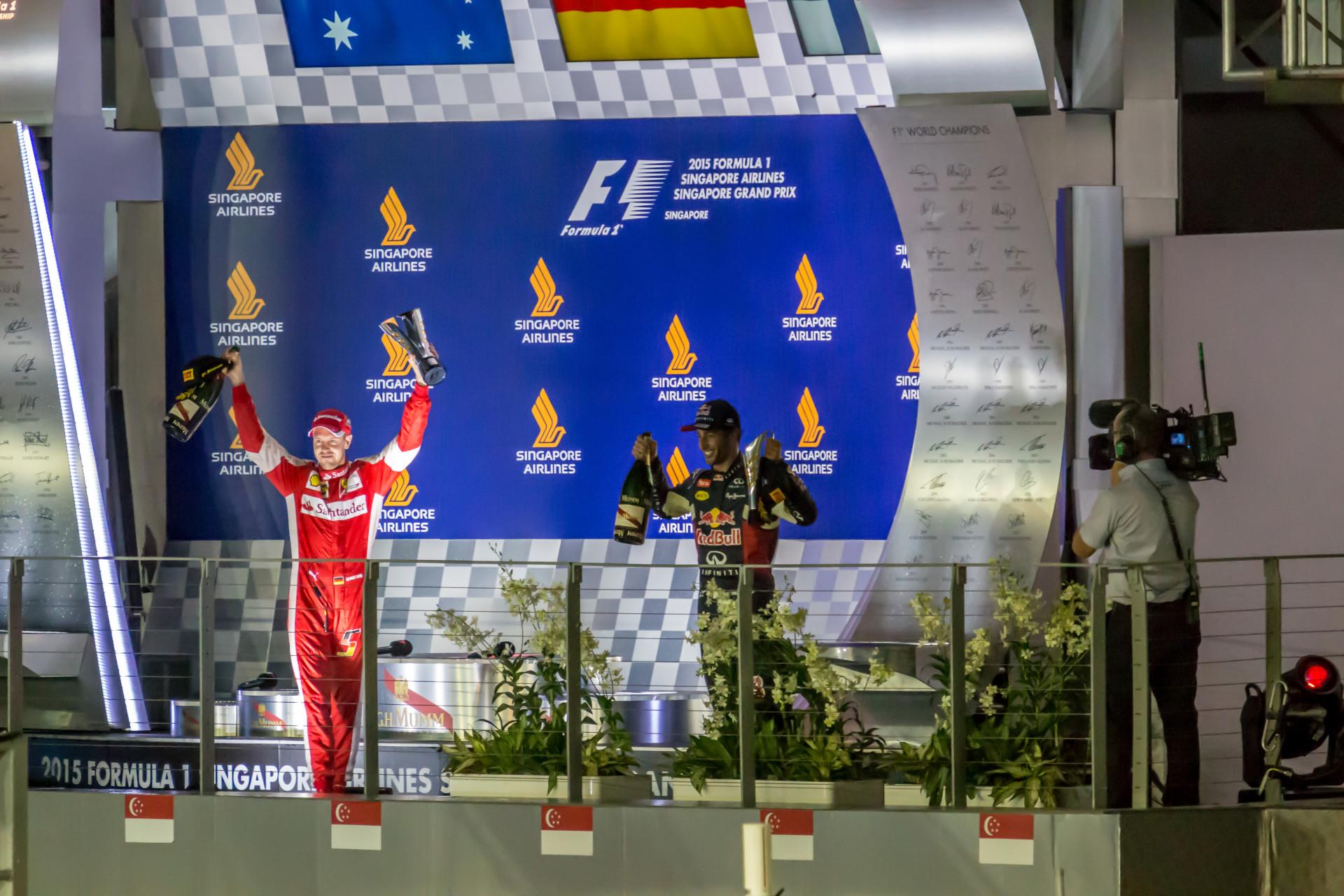 """<i class=""""fa fa-film""""></i>– Le podium – Champagne"""
