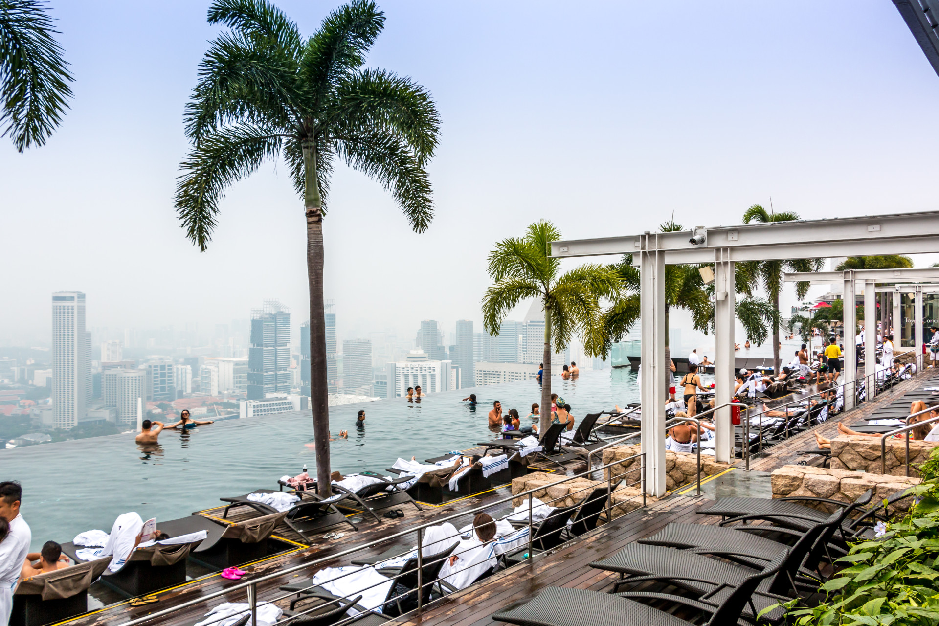 "<i class=""fa fa-film""></i>– La piscine du Marina Bay Sands"